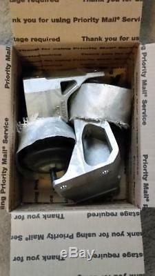 97-04 Chevy Corvette C5 LS1 LS6 Engine Motor Mounts OEM Pair LSX GM Vette