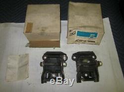 NOS 1958-69 Chevy 283 307 327 Motor Mounts 3990914 Camaro Chevelle Nova Impala