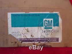 NOS GM #3990914 SB Chevy Motor Mounts Impala Chevelle Camaro Nova LH & RH Pair